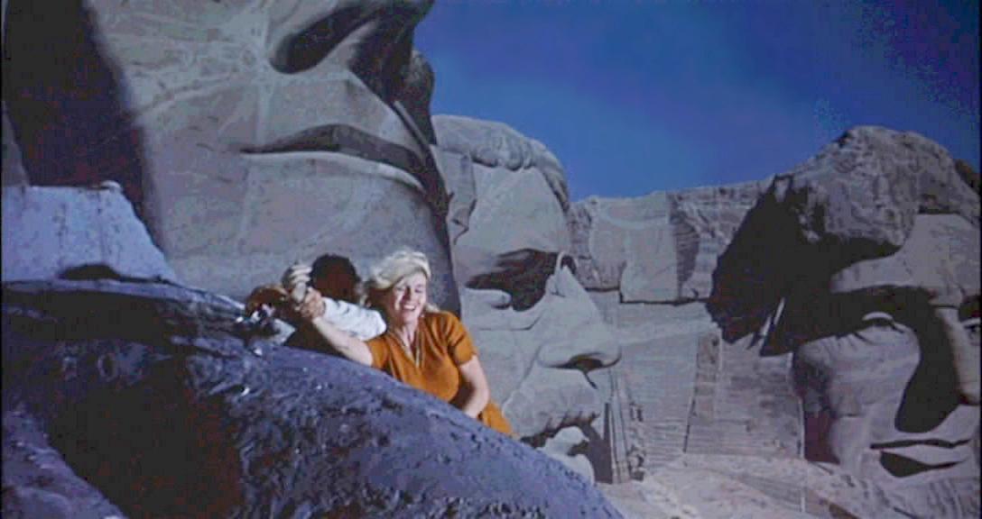 El Mont Rushmore, o més aviat la seva maqueta, decorat de l'escena final de Perseguit per la mort